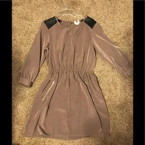 Tan/brown 3/4 length sleeve Dress with Zippers